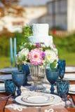 Adornado para casarse la tabla de cena elegante Imagen de archivo libre de regalías