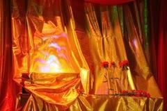 Adornamiento de la etapa en el teatro cortina Fotos de archivo libres de regalías