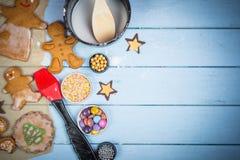 Adornamiento de la galleta de la Navidad del hombre de pan de jengibre Imagenes de archivo