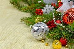 Adornamiento de la tabla del día de fiesta de la Navidad Imagenes de archivo