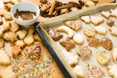 Adornamiento de las galletas de la Navidad Foto de archivo