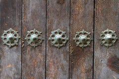 Adornamiento de puertas viejas Imagen de archivo libre de regalías
