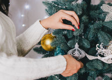 Adornamiento del árbol de navidad hermoso Imagenes de archivo