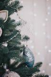 Adornamiento del árbol de navidad hermoso Fotografía de archivo libre de regalías