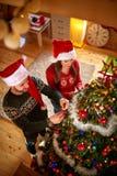 Adornamiento del árbol de navidad, visión superior Imágenes de archivo libres de regalías