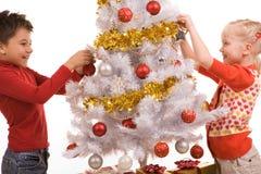 Adornamiento del árbol del Año Nuevo Fotografía de archivo libre de regalías