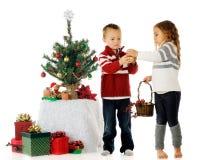 Adornamiento del árbol del Kiddie Imagen de archivo