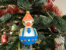 Adornamiento del árbol para la Navidad Imagen de archivo libre de regalías