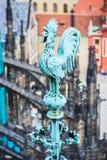 Adornamiento del gallo en Praga Fotos de archivo