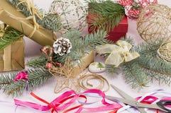Adornamiento para el caos creativo de la celebración de la Navidad Fotografía de archivo libre de regalías