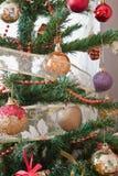 Adorne el árbol de navidad Imagenes de archivo