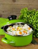 Adorne el arroz con las diversas verduras Fotografía de archivo libre de regalías