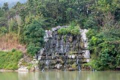 Adorne la cascada Imagen de archivo libre de regalías