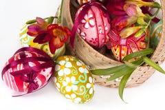 adorne los huevos de Pascua Imágenes de archivo libres de regalías