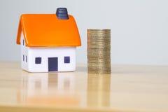Adorne su hogar para un coste Imagen de archivo