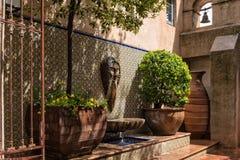 Adorno arquitectónico, Tlaquepaque en Sedona, Arizona Imagen de archivo libre de regalías