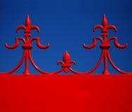 Adorno arquitectónico rojo y azul Fotografía de archivo