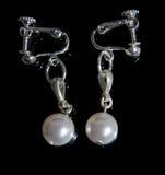 Adorno de la perla hecha a mano Fotos de archivo libres de regalías