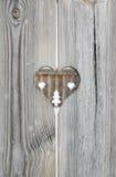 Adorno del corazón en tableros de madera del obturador Fotografía de archivo libre de regalías