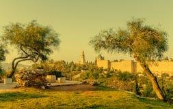 Adornos bíblicos con las colinas santas de Jerusalén Foto de archivo