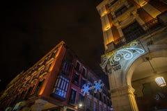 Adornos de la Navidad en la ciudad Fotografía de archivo