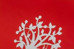 Adornos de madera cortados laser del árbol en la flor blanca P de la porcelana Foto de archivo libre de regalías