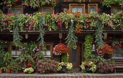 Adornos florales típicos en Austria Imagen de archivo