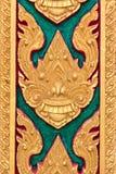 Adornos tailandeses en la pared Imagen de archivo