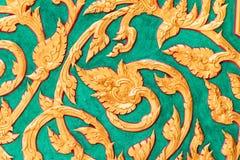 Adornos tailandeses en la pared Fotos de archivo libres de regalías