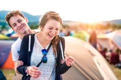 Ados au festival d'été Images libres de droits