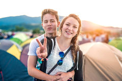 Ados au festival d'été Images stock