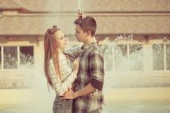 Ados d'amoureux Photo libre de droits