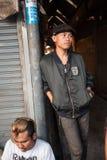 Ados de punk et de skinhead sur le marché de Chatuchak Image stock
