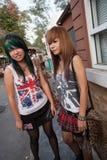 Ados de punk et de skinhead sur le marché de Chatuchak Images stock