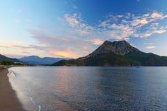 Adrasan-Strand bei Sonnenaufgang Die Türkei Lizenzfreie Stockfotos