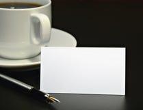 Adreskaartje en een koffiekop Royalty-vrije Stock Foto's