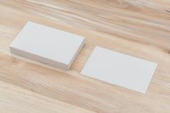 Adreskaartjes op houten lijst Royalty-vrije Stock Afbeeldingen