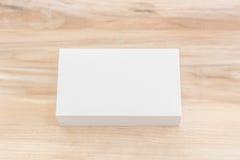 Adreskaartjes op houten lijst Royalty-vrije Stock Afbeelding