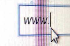 Adresse de navigateur sur l'écran d'ordinateur photos stock