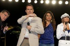 adresserar tv:n för telemundoen för arizona invandringlag Royaltyfri Bild