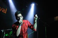 Adrián Pérez, guitariste et chanteur du groupe pop espagnol Catpeople Images stock