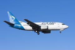 Adria 737 en acercamiento final Fotos de archivo