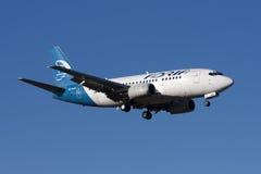 Adria 737 en acercamiento final Imagenes de archivo