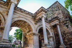 Adrian Gate, Antalya-oriëntatiepunt, Turkije Antieke bouw van marmer en royalty-vrije stock foto's