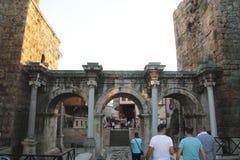 Adrian portar av den gamla staden Antalya Turkiet Arkivbild