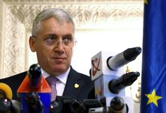 Adrian Tutuianu Senator del Partido Democrático Social - confe de la prensa fotografía de archivo