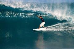 Adriano de Souza del Brasil que practica surf en de la pared Imagen de archivo libre de regalías