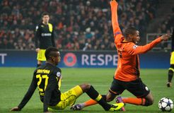 Adriano en la acción en el partido de la Champions League Imagenes de archivo