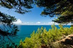 adriatic idyllisk liggandeseacoast Royaltyfria Foton