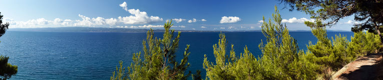 adriatic idyllisk liggandeseacoast Royaltyfri Bild